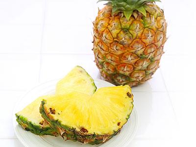 パイナップル(パイン)とその栄養成分・効果効能|疲労や美肌サポートに良い? 消化酵素の働きとは?